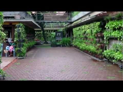 Arsitektur Nusantara Kontemporer: Menuju Socio-Eco-Architecture?