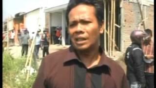 <span>Ratusan Warga Segel Aset Desa Yang Di Jual Kepala Desa</span>
