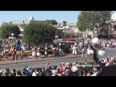 (HD) Flash Mob and Happy Birthday Moment for Disneyland's 55th Anniveresary