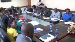 Governor unveils budget and economic forum