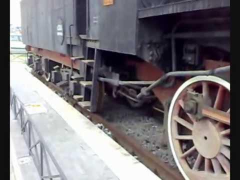 Treno storico a Pescara Locomotiva a vapore 740 351 e tender