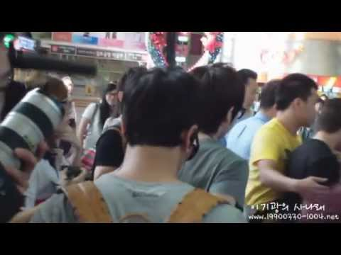 [Fancam] 110824 BEAST Gikwang @ Gimpo Airport to Japan