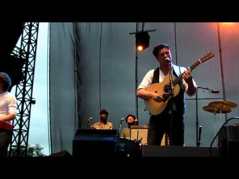 "Mumford & Sons - HD ""Hopeless Wanderer"" Performed LIVE at 2011 Memphis In May"