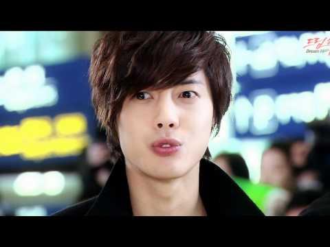Hình ảnh dễ thương của Kim Hyun Joong mỏ nhọn