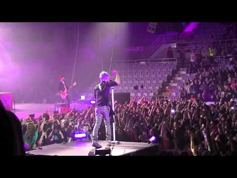 Toy Soldiers - Marianas Trench LIVE Grande Prairie