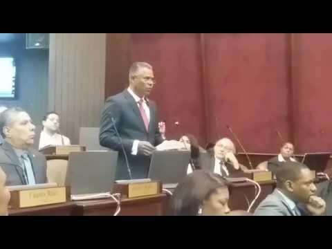 Diputado Néstor Muñoz niega que trafique armas (Video: Miguel Martínez)