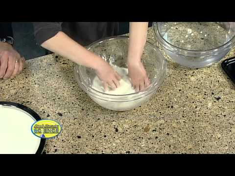 Cornstarch Goo - Cool Science Experiment -XbWBkwM1WAI