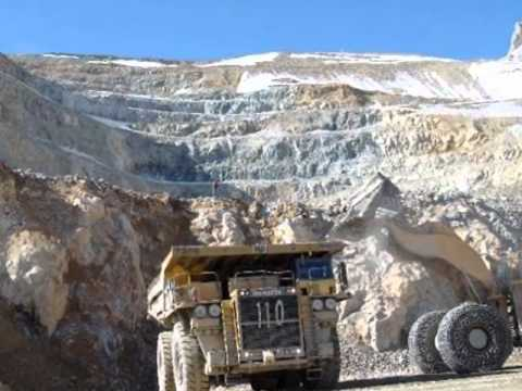 Minería A Cielo Abierto en Sierra la Laguna.wmv
