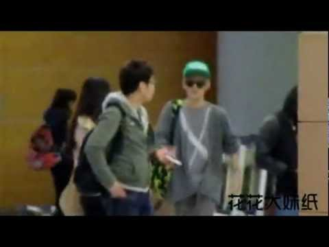 [Fancam] SHINee KEY dancing to Lovey Dovey @ Shanghai Pudong Airport 120224