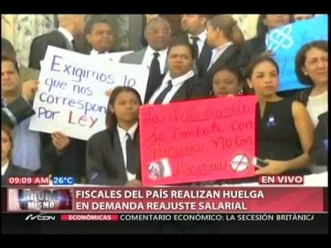 Fiscales del país realizan huelga en demanda reajuste salarial