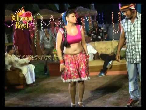 Hot Item Song Shoot of the Bhojpuri 'Rowdy Rani'  2
