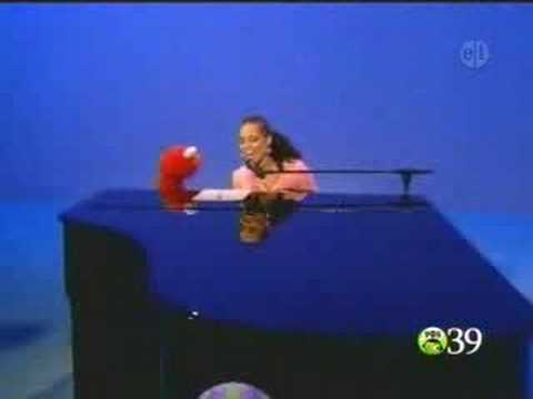 Alicia Keys ft. Elmo! - Dancin' (Fallin') -Y6K21Dla8lE