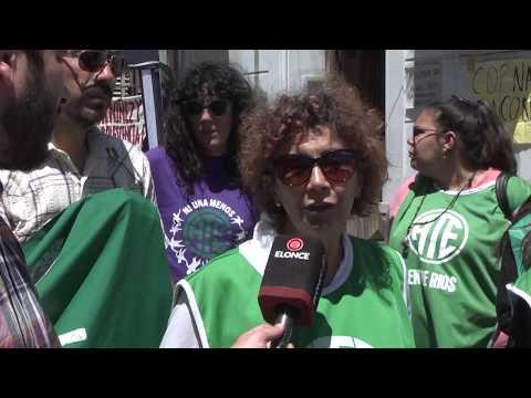 Empleados del Copnaf hicieron una asamblea frente al organismo