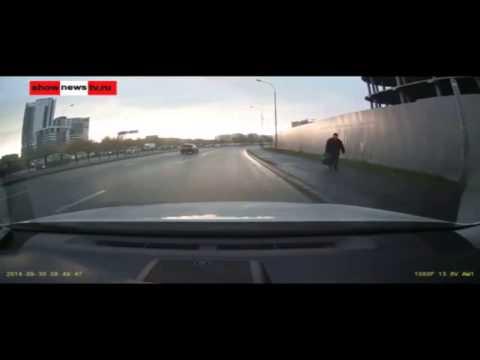 Авария с переворотом в Екатеринбурге 30 09 2014