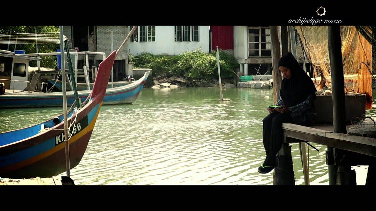 Ippo Hafiz - Hujan Sepi Official [MV]