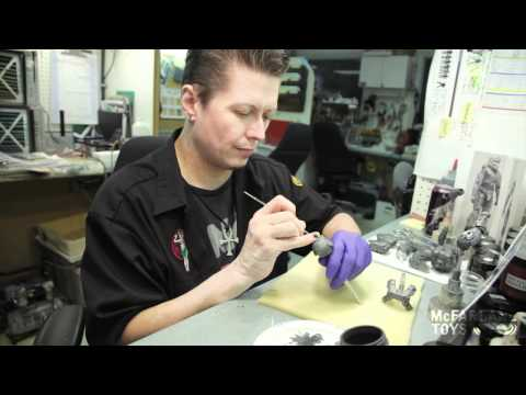 Making of a Halo Figure - Plastic Molds to Perfect Replica (3 of 3)