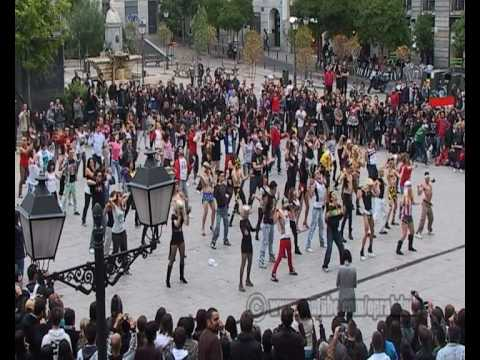 Official Lady Gaga Flashmob Madrid Telephone & Bad Romance (480 Full Screen)