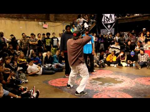 Monsta Pop and Venom vs Kid Boogie and J-Smooth @ Juste Debout 2011 NYC/USA preliminaries
