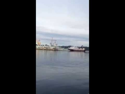 Fishing trawler crashes into docked HMCS Winnipeg Navy ship at Esquimalt base