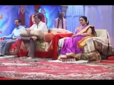 -SHRI ANIRUDDHA CHALISA- with BAPU, NANDAAI & SUCHITDA