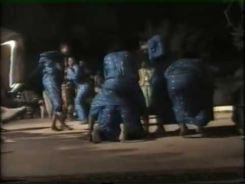 Spectacle de leumbeul l'ors d'une soirée folklorique a saly .