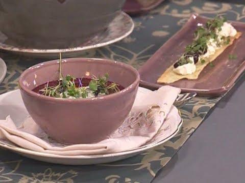 Naturalmente Juliana - Cream cheese con puré de ajos, sopa de remolachas y galletas de cilantro - elgourmetcomlatam