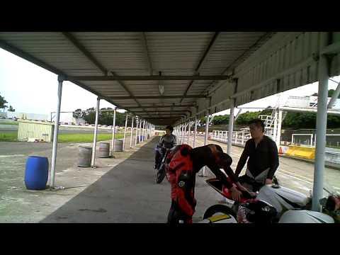 Race Track Blogging - Ninja 650R