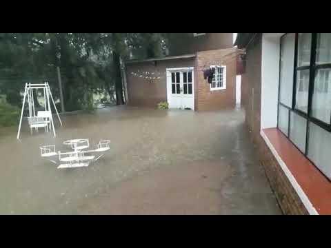 Con cada lluvia, vecinos de Sauce Montrull quedan