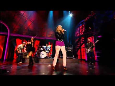 Georgia Murray Performs Shania Twain-s Up