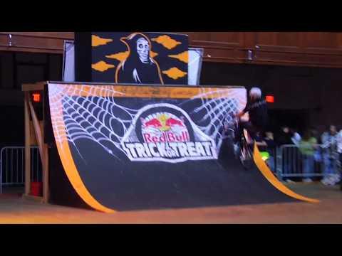Red Bull BMX Street: Trick or Treat 2008 - UCblfuW_4rakIf2h6aqANefA