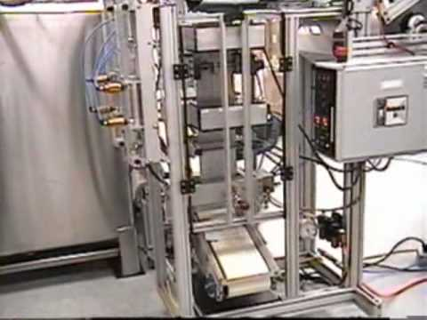 Roipack Form-Fill-Seal machine in operation Roipack.com