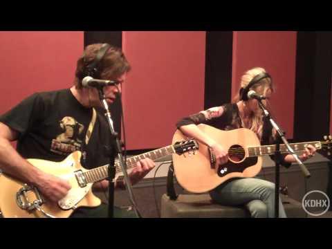 Elizabeth Cook El Camino Live at KDHX 2/27/10 (HD)