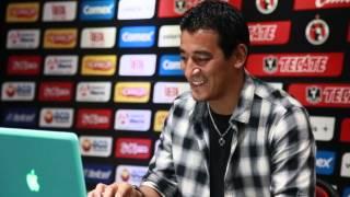 Argentine striker takes part in Tweetcam