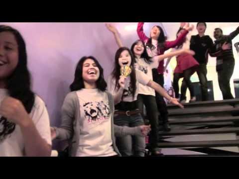 Sheffield Students- Union: Lip-Dub [Take That & Queen]