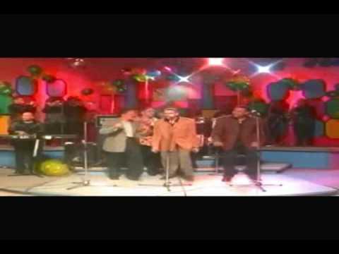 Los Hermanos Rosario ~ la morena (en vivo)