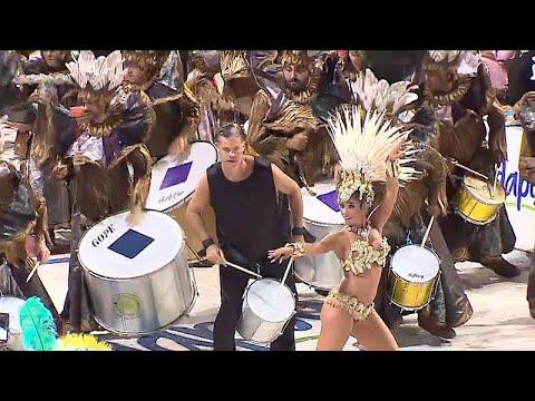 El intendente Martín Piaggio encabezó la batucada en el Carnaval de Gualeguaychú