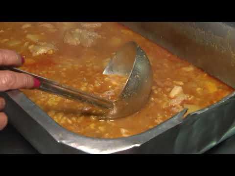 En el comedor comunitario Los Conejitos sirvieron el tradicional locro patrio