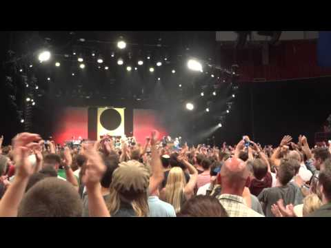 Pearl Jam - Alive and Rockin' In The Free World - Globen 2012-07-07