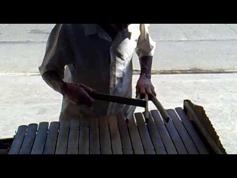 """""""Daygon"""" bamboo xylophone"""