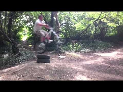 browner mountain bike jump fail @ Foxbury