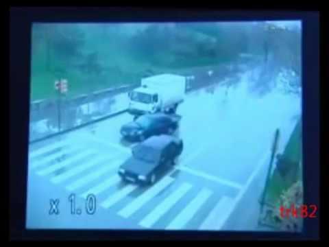 Accidente impresionante pe autostrazi