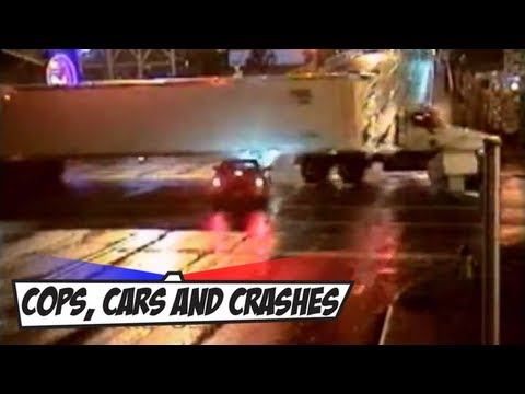 Crazy Car Crash at Crossroads