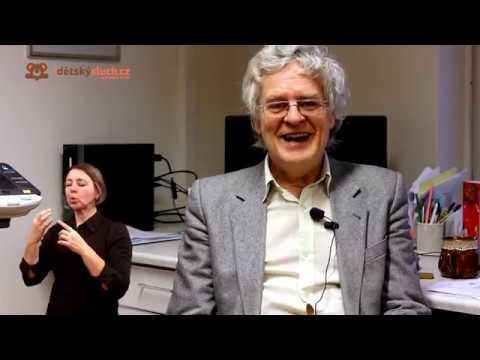 Rozhovor s dětským psychologem PhDr. Václavem Mertinem - tlumočeno do znakového jazyka