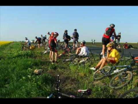 VIDEOCLIP Cu bicicleta la mare, 300 de km pe biciclete - 1