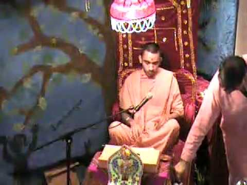 Stanmore Temple Ghanshyam Maharajs 10th Mahotsav 2012 - Day 4 Evening Katha