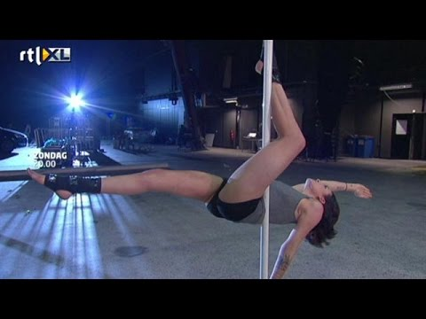 Celebs trainen hard! - CELEBRITY POLE DANCING