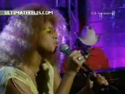 Kelis- Get Along with You (Live EMA's 2000) - UCrzGxAjBuieS1bbFbY2DJXw