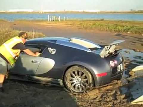 Bugatti Veyron being fished out of a lake