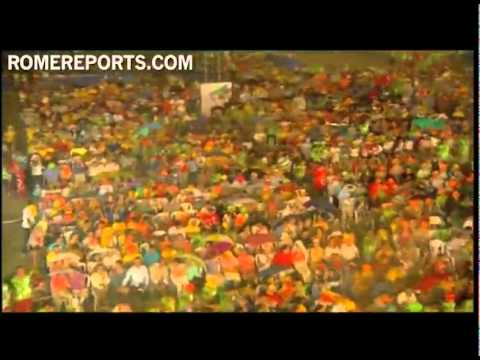 Pope during Vigil: Your strength is stronger than the rain