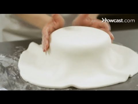 Cake Decorating: How to Cover a Cake with Fondant